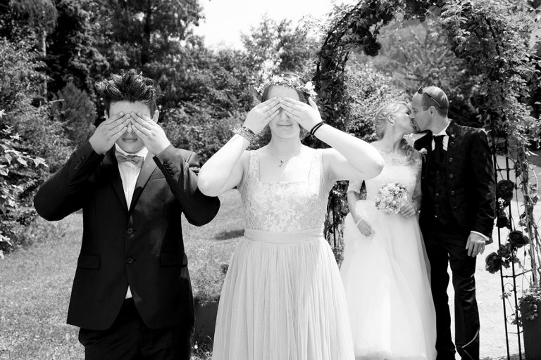 lustiges Hochzeitsfoto Graz Fotograf Graz Fotostudio Graz Fotos für die Taufe oder Feiern und Hochzeitsfotos